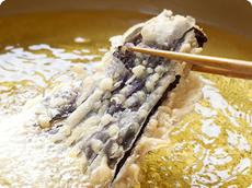 旬の野菜や野草をふんだんに使った天ぷら